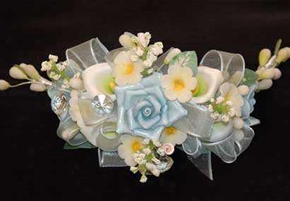Vestidos de fiesta con adornos de flores