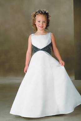 de vestidos de quince en versiones pequeñas para ser usados por ellas
